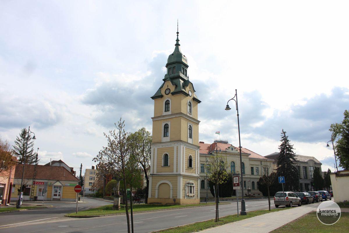 A szécsényi (ferde) Tűztorony (karancs-medves.info fotó: Kéri István)