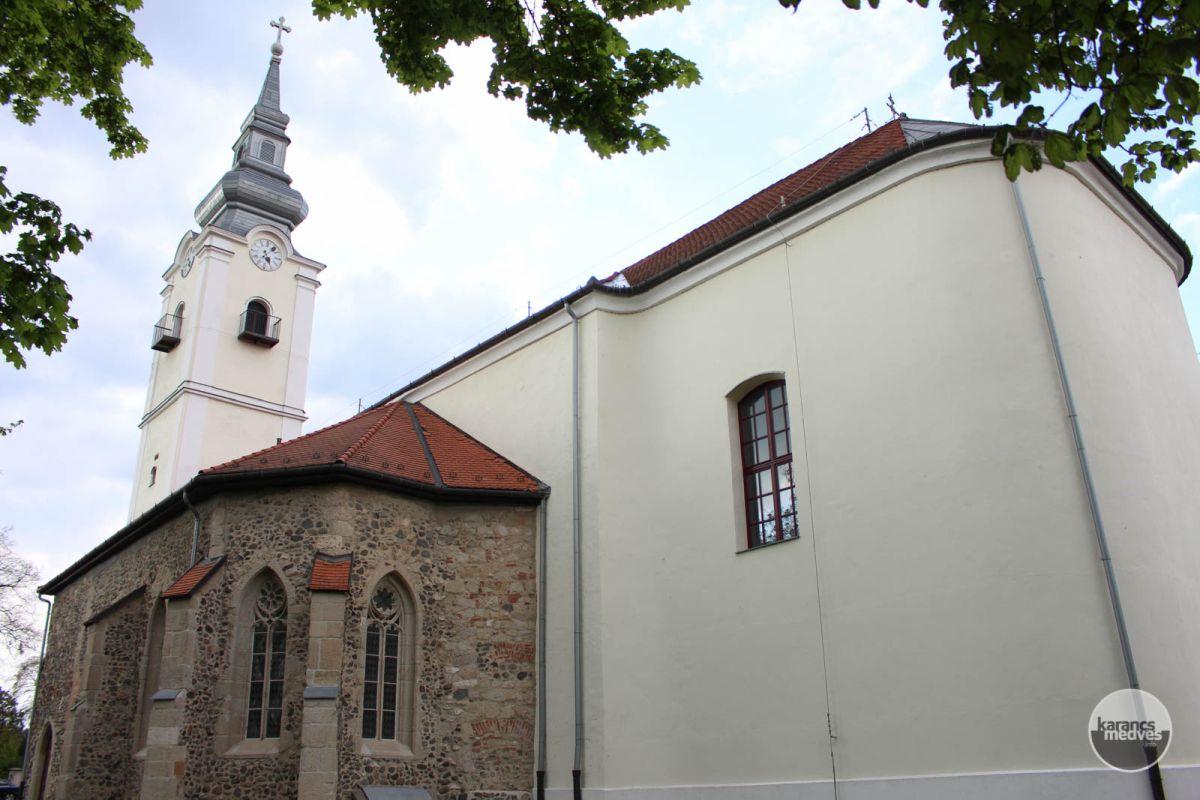 Szent Lőrinc plébániatemplom (karancs-medves.info fotó: Kéri István)