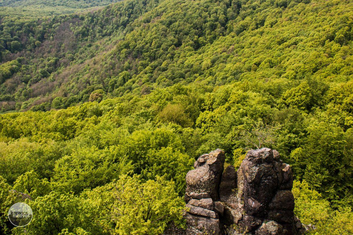 Kiemelt fotó: Pogányvár (karancs-medves.info fotó: Micsuda András)