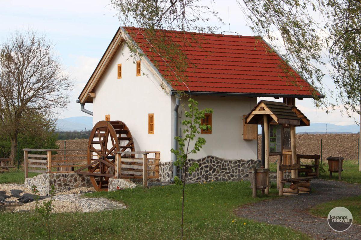 Kiemelt fotó: A kalondai kiállítóhely a malomnak és a kenderáztatásnak állít emléket (karancs-medves.info fotó: Kéri István)