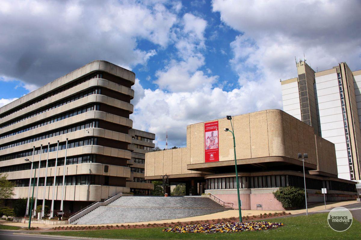 Kiemelt fotó: A Dornyay Béla Múzeum épülete (karancs-medves.info fotó: Kéri István)