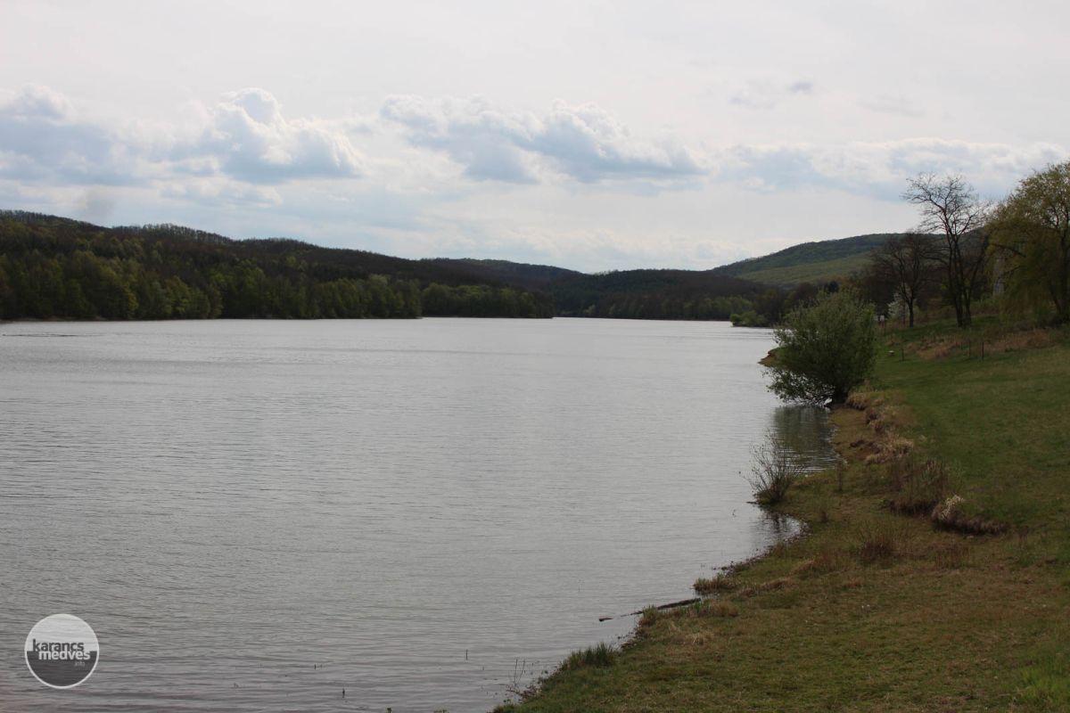 Kiemelt fotó: A Komra-völgyi víztározó (karancs-medves.info fotó: Kéri István)