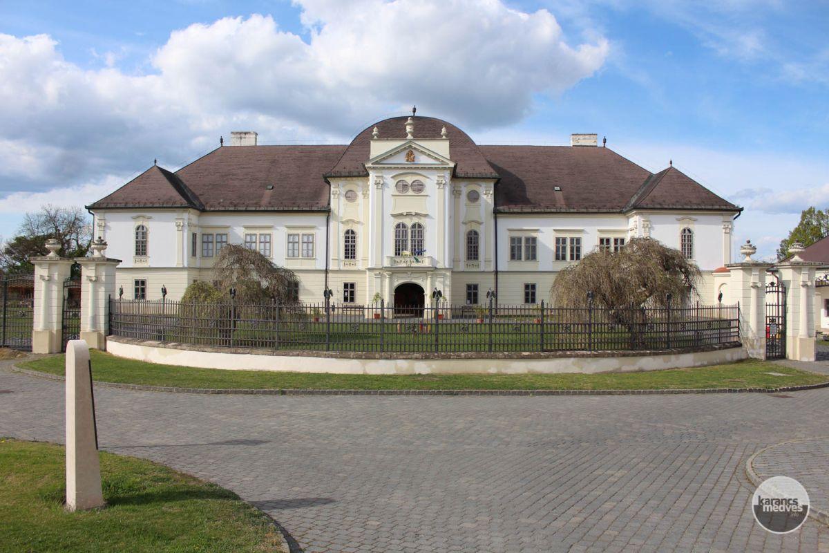 Kiemelt fotó: A múzeumnak a Forgách-kastély ad otthont (karancs-medves.info fotó: Kéri István)