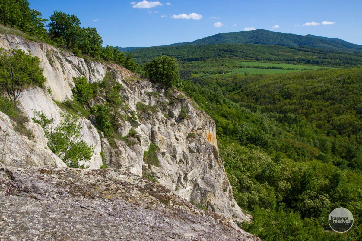 Kiemelt fotó: A tari Fehérkő-bánya (karancs-medves.info fotó: Drexler Szilárd)