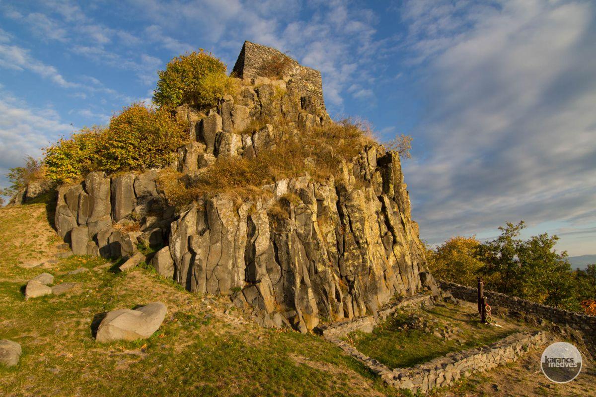 Kiemelt fotó: Salgó vára (karancs-medves.info fotó: Drexler Szilárd)