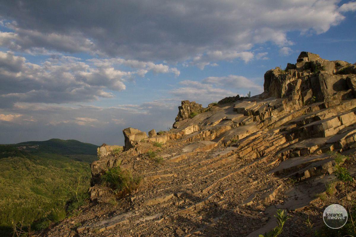 Kiemelt fotó: Boszorkány-kő (karancs-medves.info fotó: Drexler Szilárd)
