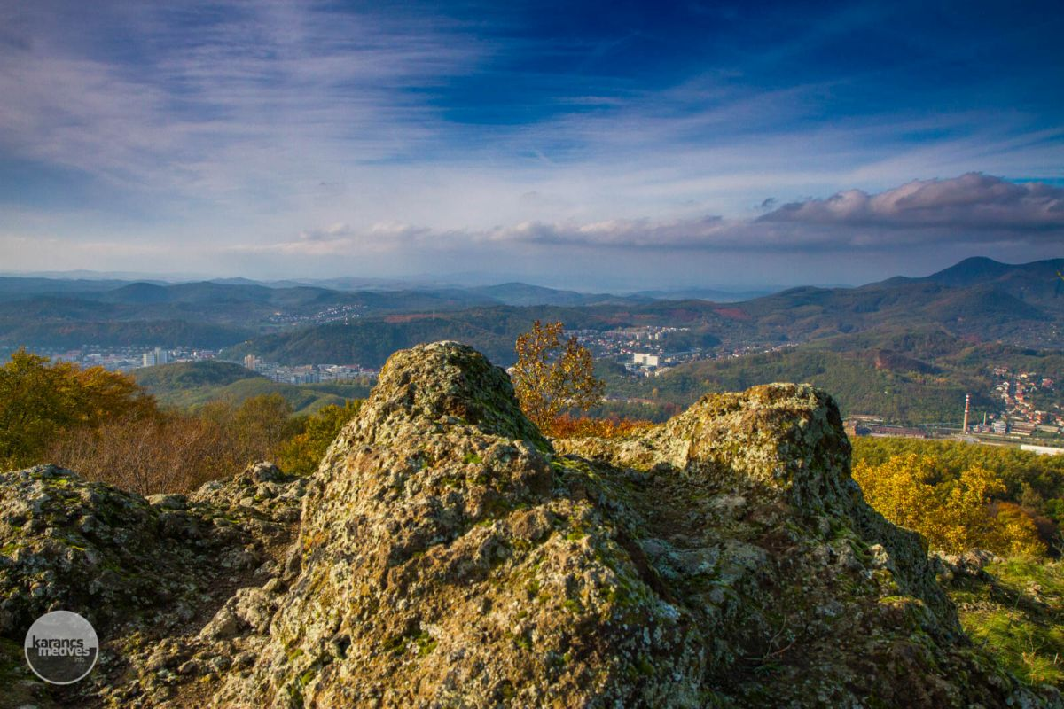 Kiemelt fotó: Panoráma a Pécskőről (karancs-medves.info fotó: Drexler Szilárd)
