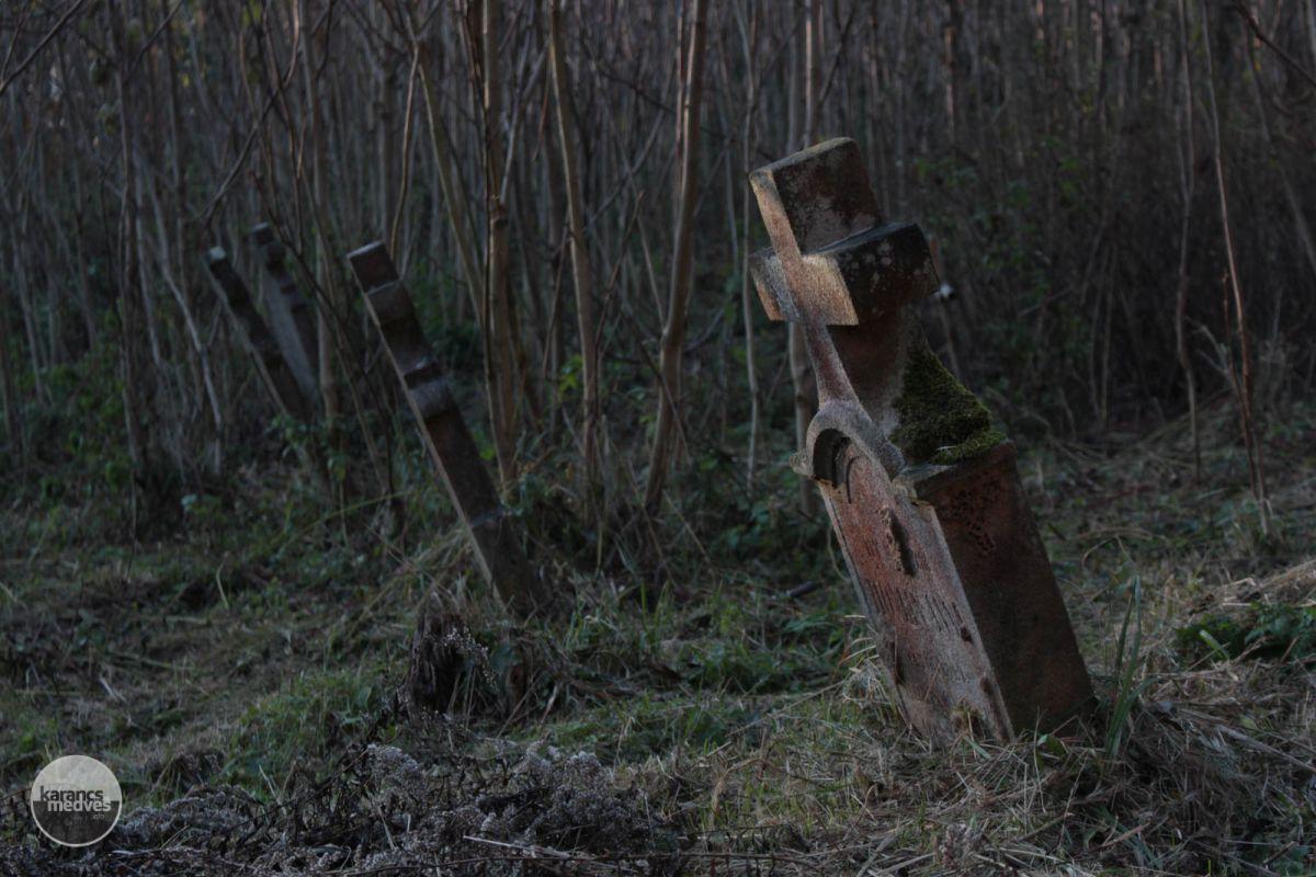 Kiemelt fotó: Az inászói temető (karancs-medves.info fotó: Kéri István)
