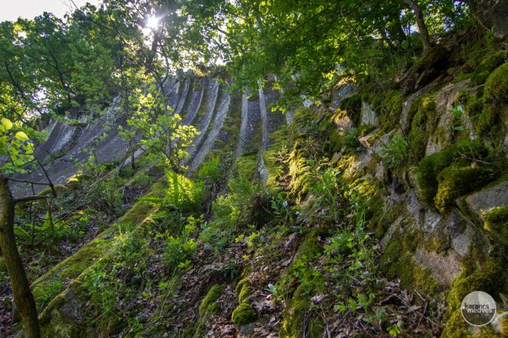 A Nagy-hegy andezitoszlopai (karancs-medves.info fotó: Drexler Szilárd)