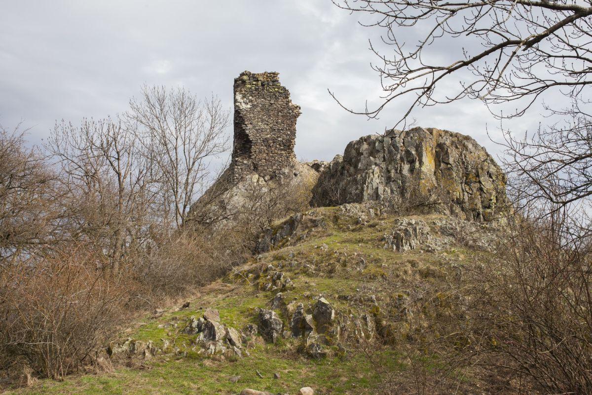 Kiemelt fotó: A szandai középkori várrom (Fotó: Nógrádikumok)