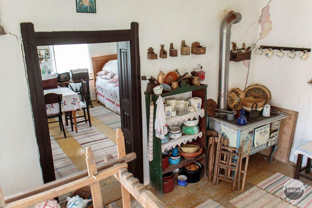 A Medveshidegkúti Tájház (karancs-medves.info fotó: Micsuda András)