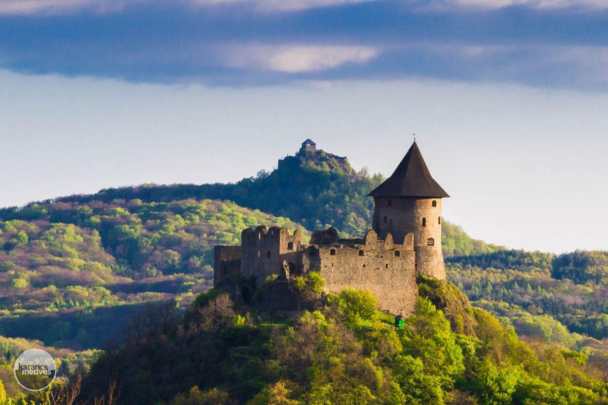 Kiemelt fotó: Somoskő és Salgó vára (karancs-medves.info fotó: Drexler Szilárd)