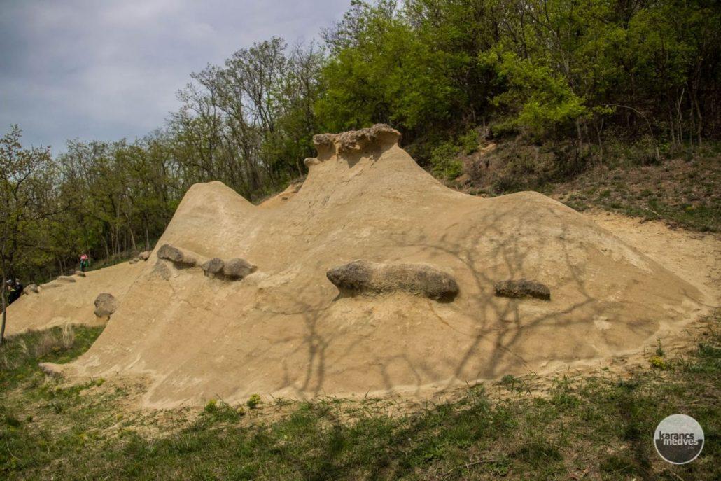 Sárkány-szikla (karancs-medves.info fotó: Pozsik Gábor)